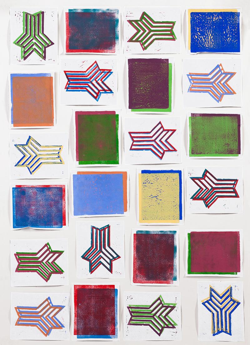 Über- und Unterdrucken von zwei komplementären Linoldruckfarben anhand eines linearen und flächigen Motivs. Von Charlotte Hornung.