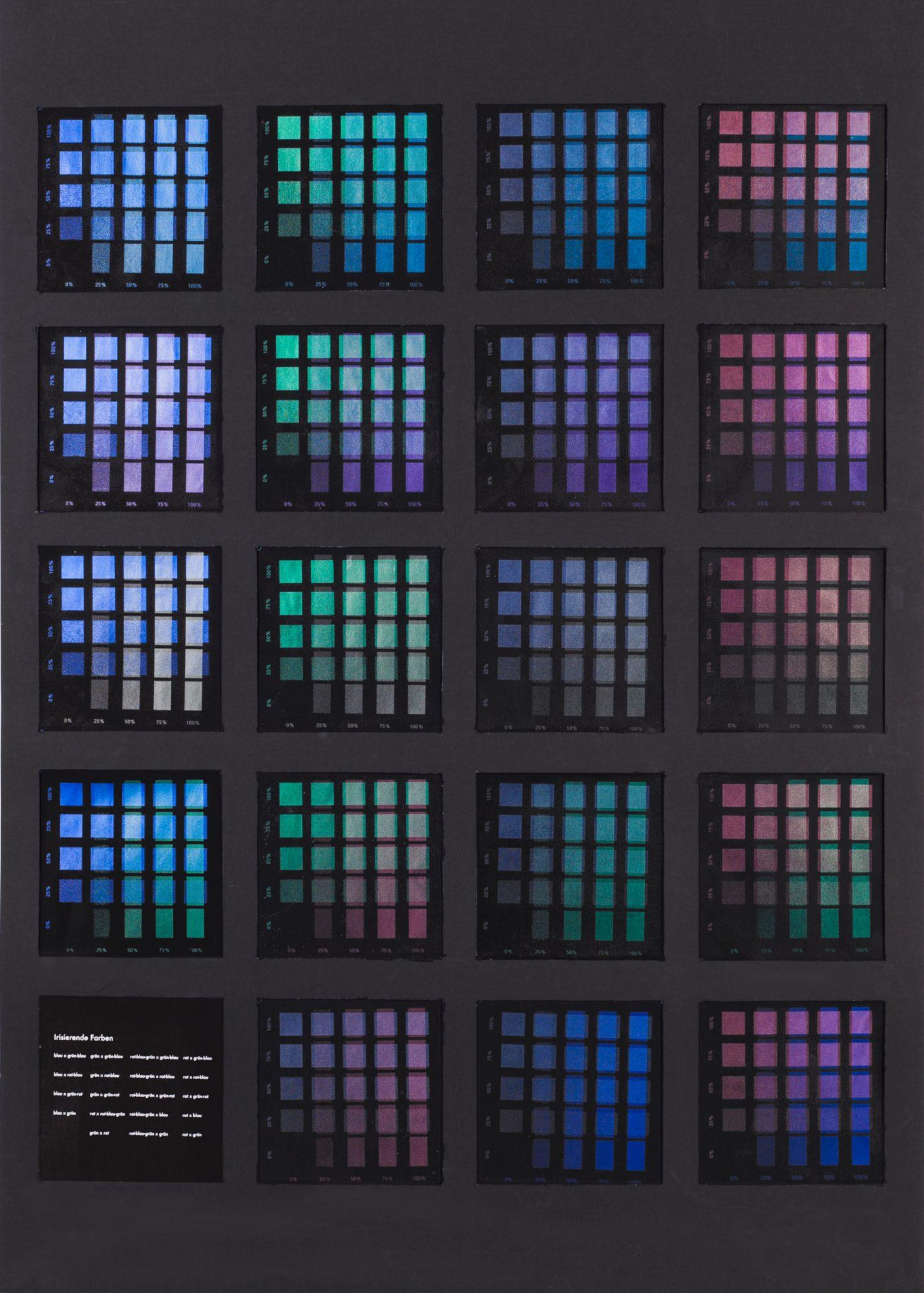 Versuchsreihen des Überdrucks von je zwei irisierenden Farben im Siebdruck. Von Moritz Aust, Jil Gielessen, Julia Reimann.
